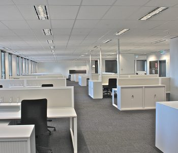 UCI-Credit-Suisse-Project-2-Flow-workstations-Cosmos-tambours-and-Scout-chairs